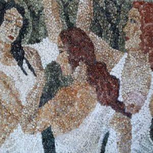 Tre hyjnite, Erieta Gajtani